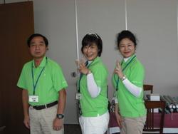 スタッフ左から廣瀬さん 土井LPGAプロ 飛田さん