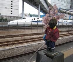 ★小便小僧と新幹線とモノレール@ 2014.4.JPG