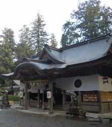 伊和神社 (568x640)