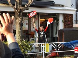 渋谷デモ2-14(外国人女性)