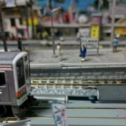 プラットフォフォームからJR211系(JR 211 series at a platform)