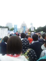 国会抗議行動8-30b