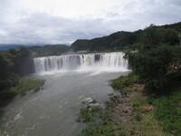台風11号後の滝 001.JPG