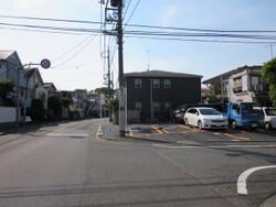 隣地駐車場&道路